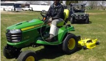 John Deere Auto-Connect Signature X700 Series Lawn Tractor